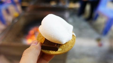 零技巧BBQ自製 熱溶綿花糖朱古力夾餅