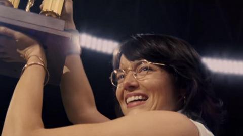 Emma Stone球場上爭取公義 新戲演活一代網球名宿