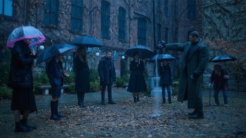 【雨傘學院】Netflix另類超級英雄劇 Ellen Page零超能力救世界