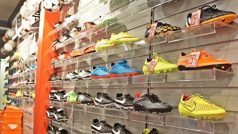 港媽買鞋2年後先要求退換鞋子!經理拒絕反遭指責:投訴到你工都冇埋