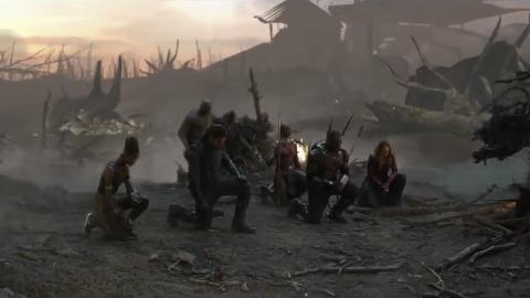 【復仇者聯盟4】鐵甲奇俠犧牲一刻被刪片段曝光!眾英雄單膝下跪致敬令人淚崩