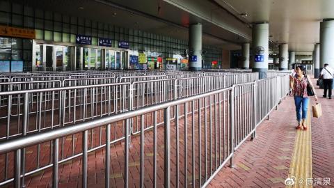 赴港內地旅行團數量大減 網民發現深圳皇崗口岸變得冷清