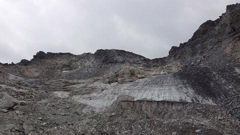 氣候變化引致全球冰川快所剩無幾 瑞士環保組織舉行追思會悼念已死冰川