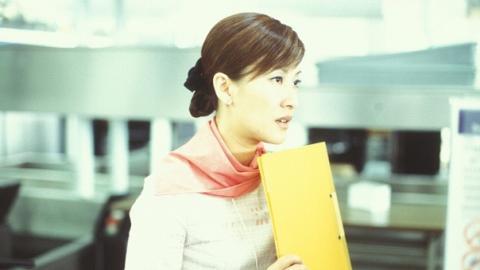 【金宵大廈】李施嬅空姐造型獲讚搶鏡 細數在TVB劇中飾演空姐的10位女藝人
