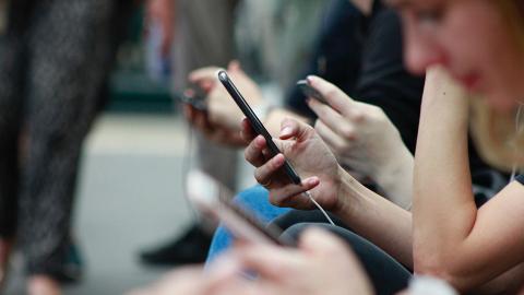 【手機教學】簡單步驟鎖手機SIM卡!iPhone+Android教學 加強保安防被盜資料