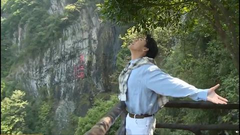 KillerSoap主唱陳樂基即場飲用東江水 網民想起經典廣告:飲冇煲過嘅溪水?
