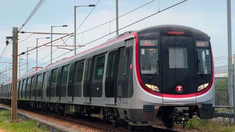 港鐵屯馬線暫定明年1月5日通車 今日起繁忙時間後開始試車
