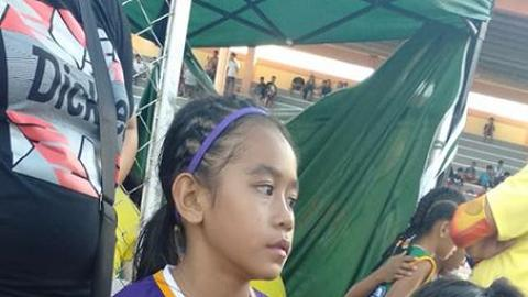 11歲女童自製跑鞋近乎赤腳跑田徑 連奪3金一鳴驚人網民爭相送禮
