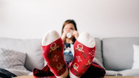 用一張紙即刻解決雙腳凍冰冰問題!攝入鞋內令腳掌迅速變暖升8度