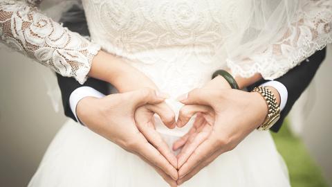 【新冠肺炎】醫護人員推遲拍攝婚照日期 向攝影師慨嘆:唔知有冇命捱到四月影!