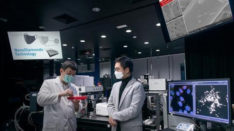 新世界發展本港設廠日產20萬個殺菌口罩 免費派發予基層市民抗疫