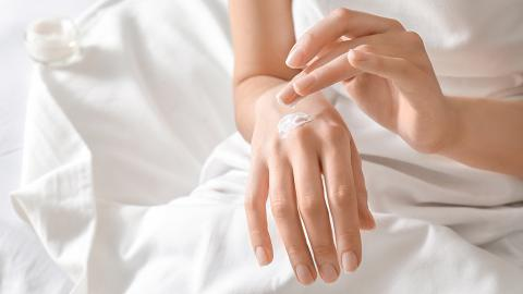 怕見雙手嚡烚烚 幫雙手做MASK?