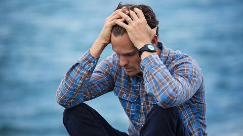 男子頭痛半個月原來腦生蟲!開腦取出11厘米寄生蟲 成因竟與生活習慣有關