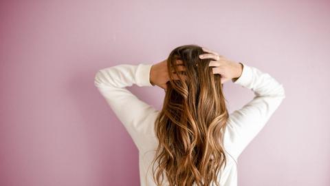 漂染頭髮後髮質變得毛燥易斷? 專業染髮公司教你3大日常護髮貼士
