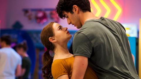 【Netflix】10部Netflix校園愛情電影推薦 《親親小站2》回歸重溫青春初戀故事