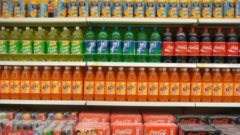 【消委會】20款汽水/乳酸/運動飲品糖含量排行榜  飲一罐已超過每日建議攝取量一半!