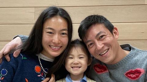 40歲陳冠希最新光頭造型配老土紅褲再度崩壞 網民嘆男神不再:似足公園晨運阿伯!