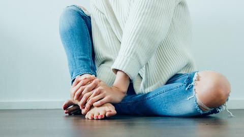 雙腳冰凍原來係身體響起警號?以下7類人要小心!美國專家教你6個方法保暖雙腳