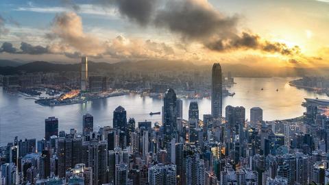 廣闊雲帶靠近香港天文台料未來4日有陣雨 聖誕假期氣溫稍回升最高溫度21度