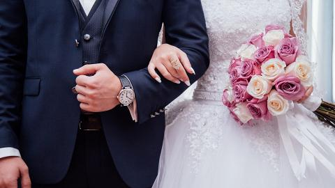 一家四口去飲人情封500元被新娘嫌少直斥黐餐要求人頭費補$1,000 網民:下次結婚補返!