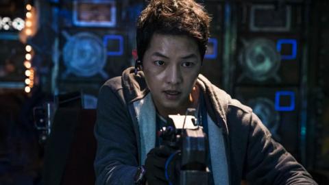 【勝利號】Netflix首部韓國太空科幻片宋仲基初次演爸爸 與宋慧喬離婚時接戲首曝真實心情