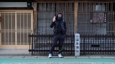 吳業坤由大阪徒步到東京 途中遇狂風狂雨 與當地人傾偈懷疑人生:佢哋話好少可一口氣行晒