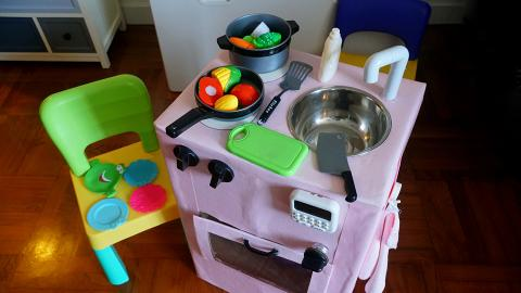 玩樂中學習環保 與囡囡DIY紙皮玩具廚房