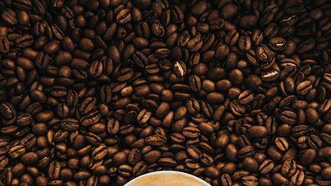 英醫驚曝預磨咖啡粉中含有小強 網民大驚崩潰:從來唔知小強係咁好味