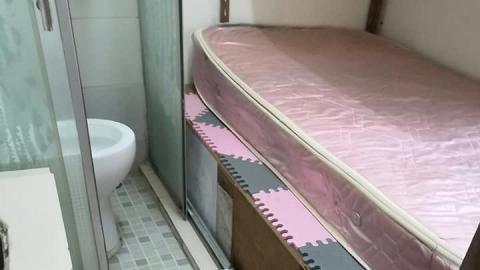 大埔80呎劏房每月索價3000 對住廁所瞓覺環境超惡劣 網民慘不忍睹:侮辱人嘅設計