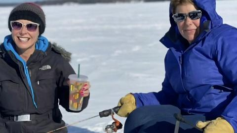iPhone 11 Pro意外跌落冰湖 30日後釣回手機竟然仲用得