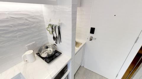 91呎超納米單位月租索價$9000!睡床喺廁所隔離仍吸大量上班族租住有價有市