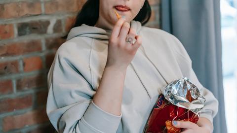 【減肥】經常忍不住吃下午茶/宵夜難以減肥? 台灣節目女醫師教你4個方法抑制食慾