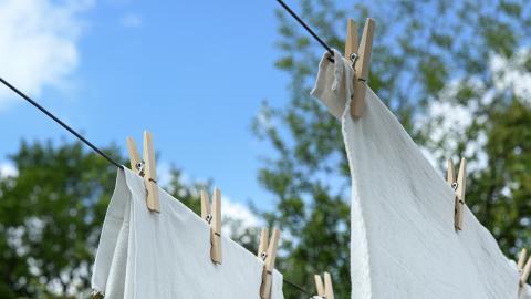 日本節目專家教授衣物除汗漬方法 洗衣液+2種物品輕鬆將泛黃衣物變白