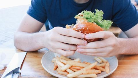 25歲男胃似無底洞超易肚餓未到中年已發福 中醫教按1個身體部位抑制食慾