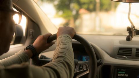 Uber香港公佈2021騎呢失物排行榜 司機執獲400部iPhone!唔止漏銀包電話 假牙/黑金 Rolex錶都有