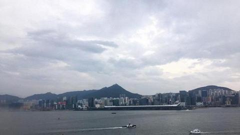 【熱帶風暴獅子山】500公里範圍都唔入!獅子山成60年最遙遠的8號風球 網民:天文台今日補飛