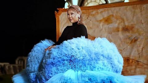 鄭欣宜派台年尾主打《最難行的路》衝擊女歌手獎 MV Cosplay繡球花要5人合力搬起巨型紗網裙