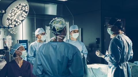 【星空下的仁醫劇透】第6-10集劇情預告!馬國明成立手術精英隊團結四人 揭周家怡丈夫是植物人