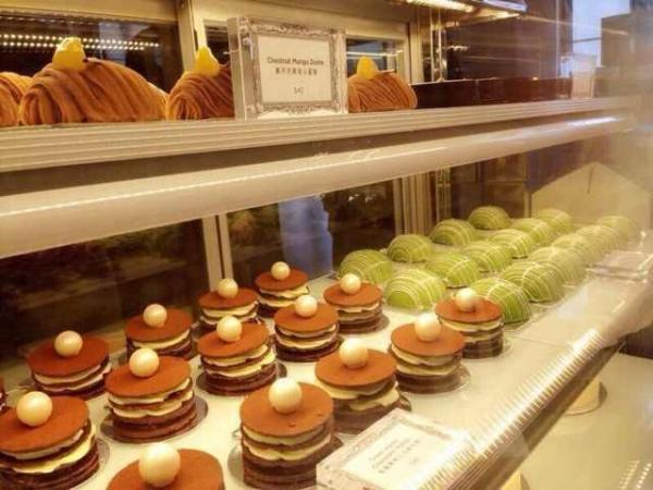 Alice Wild Luscious店內的甜品櫃。
