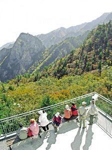 10月是到韓國賞紅葉的好時機,圖為雪嶽山之秋。