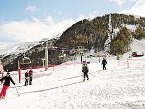12月的伸延假期,可遠飛法國滑雪。