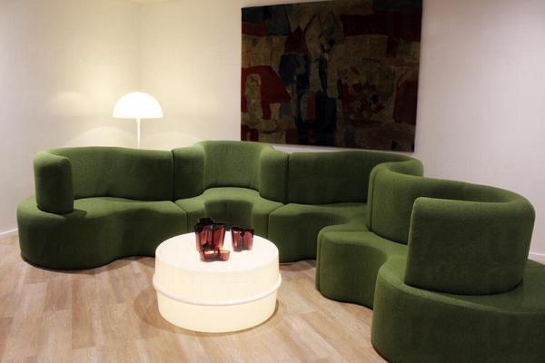 別以為是閱讀空間,只是販賣的家具,任意試坐。