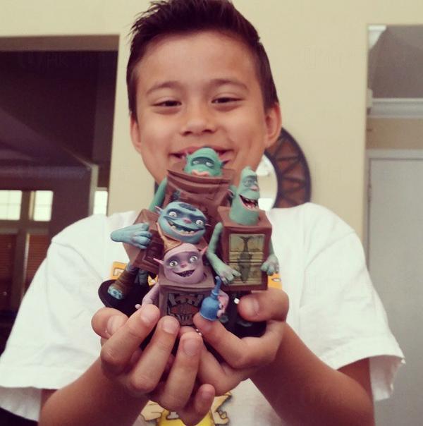 8歲男童玩玩具 年賺千萬