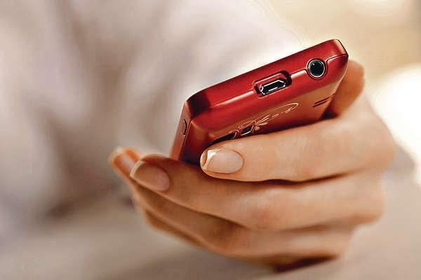 手機使用一段時間後機殼升溫,升得愈高釋放致癌物速度愈快。