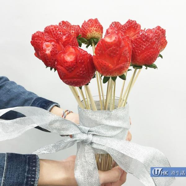 初戀之玫瑰!情人節自製士多啤梨玫瑰花