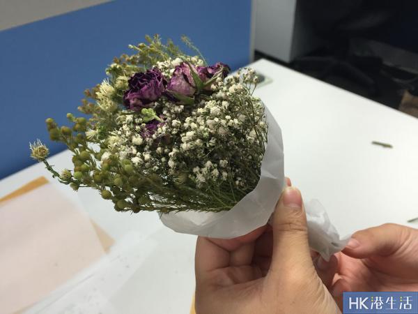 用牛油紙包裝花束