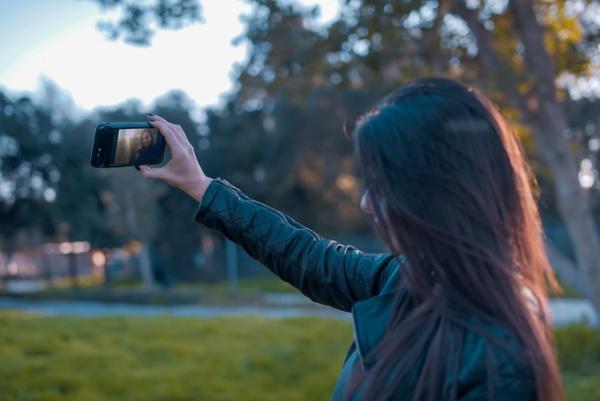 iPhone與Android合體!最強iPhone殻一套變出兩部手機(附價錢)