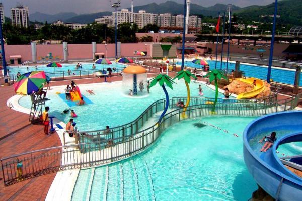 $17就玩到!全港13個公眾泳池滑水梯+滑梯池