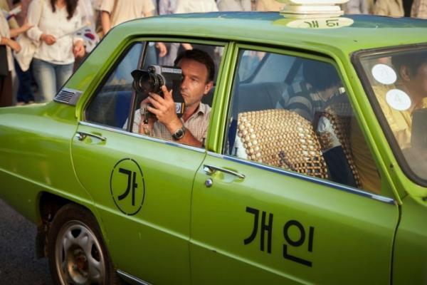 《我只是個計程車司機》韓國平民英雄揭光州事件血淚真相