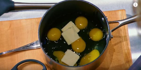 廚神Gordon Ramsay哂廚藝 3分鐘炒軟綿綿滑蛋